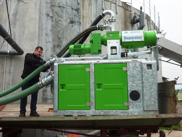 Meixner Gülletechnik hier im Bild mit dem Plug and Play Separator von Bauer